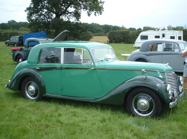 2 tone Green Whitley sized